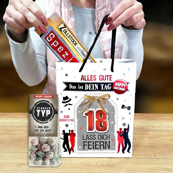 2Stk.-edle-Geschenktueten-Serie-Alles-Gute-Das-ist-Dein-Tag-hochwertige-Geschenktaschen-mit-Glueckwunschkarte-mit-Bastschleife-fuer-Maenner-18-neutral-Andrea-Verlag-andrea-verlag.de-Model