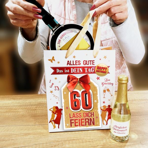 2Stk.-edle-Geschenktueten-Serie-Alles-Gute-Das-ist-Dein-Tag-hochwertige-Geschenktaschen-mit-Glueckwunschkarte-mit-Schleife-fuer-Frauen-60-neutral-Andrea-Verlag-andrea-verlag.de-Model.p