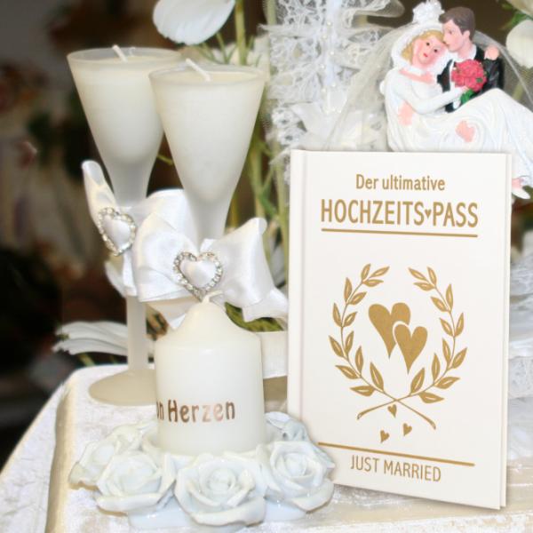 Der-ultimative-Hochzeitspass-Just-Married-Zur-Hochzeit-Zur-Vermaehlung-mit-Eintragseiten-im-Passdesign-Geschenke-zur-Hochzeit-Aktion-AV-Andrea-Verlag-andrea-geschenke.de