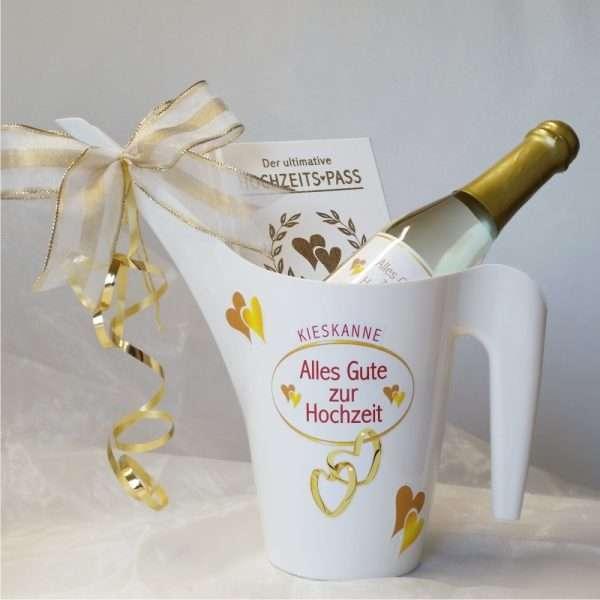Geldgeschenk Kieskanne Geschenk zur Hochzeit mit Hochzeitspass und 22 Karat Piccolo Gold Goldsekt Hochzeitsgeschenk zur das Brautpaar AV Andrea Verlag andrea-geschenke.de zusammen