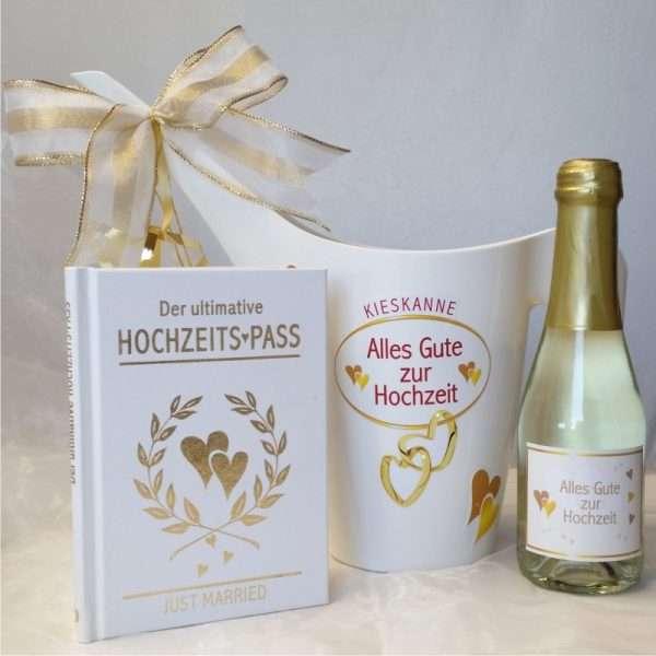 Geldgeschenk Kieskanne Geschenk zur Hochzeit mit Hochzeitspass und 22 Karat Piccolo Gold Goldsekt Hochzeitsgeschenk zur das Brautpaar AV Andrea Verlag andrea-geschenke.de