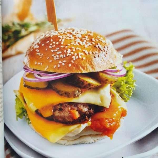 Grillbuch-das-ultimative-Maenner-Grillbuch-Maenner-Maennergeschenk-Grillen-Burger-BBQ-Grillking-Grillkoenig-Steak-Burger-andrea-verlag.de