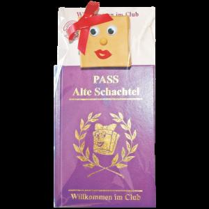 Set-Ansteckfigur-Schachtel-Nadel-Anstecker-Pass-Alte-Schachtel-Willkommen-im-Club-Humor-Geburtstag-Alte-Schachteln-Rentner-Ruhestand-Geschenk-zum-50.-Geburtstag-AV-Andrea-Verlag-andrea-geschenke.de